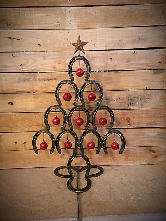 Rustic horseshoe christmas tree for Christmas tree made out of horseshoes