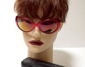 Vintage Versace Sunglasses  &  Case / Retro / High Fashion / MOD X 99/P COL 66M / Large Size / Red Plastic / Hipster