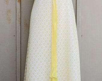 White and Yellow Eyelet Dress - Vintage Ruffle Dress - 70s Maxi Dess - 1970s Prom Dress - Summer Dress - Peasant Dress - Prairie Dress - Mod