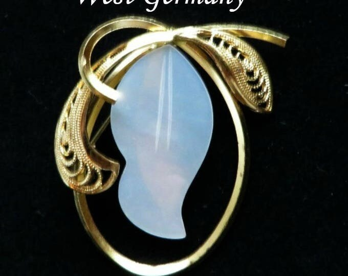 West Germany MOP Brooch, Oval Gold Tone Flower Mother of Pearl Vintage Brooch, FREE SHIPPING