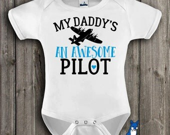 Daddys a pilot,Pilot baby gift,My daddy's an awesome pilot,Pilot gift,Airplane baby clothes,profession baby clothes,Cute baby clothes,348