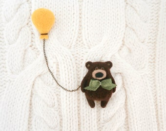 Brown bear with balloon double brooch, Grizzly bear brooch, Needle felted Teddy bear, Yellow balloon pin, Animal brooch, Hipster jewelry