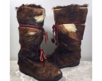 Wolverine Fur boots, Fur boots, Indian boots, Size medium boots, Yeti Boots, Fur moccasins, Vintage fur boots