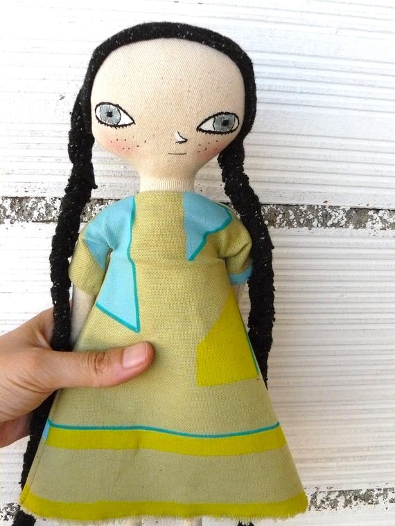 VANGUARDIA series. Doll number 1. Art doll in cotton and linen. Fabric hair. 32 cm.