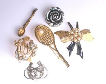 Vintage brooch job lot, collection of vintage brooches and scarf clips, costume jewellery, vintage jewellery clearance, destash