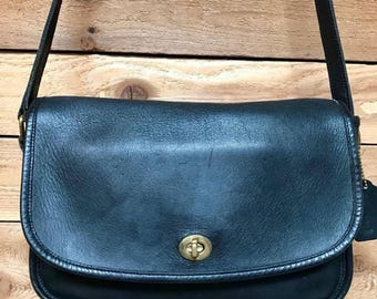 Vintage Coach City Bag Vtg Black Leather Front Flap Crossbody Purse Made in USA 9790