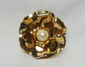 Vintage Joan Rivers Large Gold Tone Flower Brooch Pin Signed Jewelry Multi Petals Faux Pearl Center Fashion Costume Bridal Bride Gift