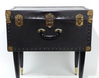 Antique Steamer Trunk Petite Coffee Table Wardrobe Removable Shelf Case  Black Metal Storage Foot Locker Bedroom