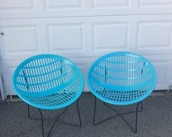 Solair Chairs Pair Saucer Chair Motel Chair Mid Century Modern Vintage Blue  Molded Plastic