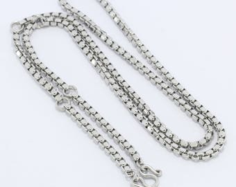 Stainless steel necklace ,5 hooks.(No.12)
