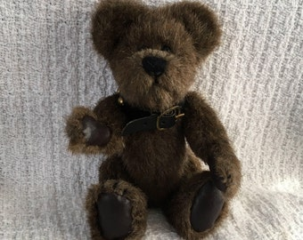 Humbolt Bear with Studded Collar, Boyds Collection, Studded Collar Jointed Bear, Faux Leather Paws, Boyds Bears, 1996, Retired, 6 inch Bear