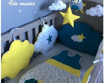Round bed clouds in white cotton star, yellow and blue with stars