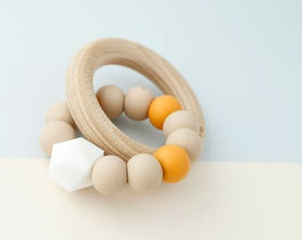 Teething Rattle Toy, Beech Wood And Silicone Toy, Ring Toy, Baby Teether, BPA Free, 100% Silicone, Perfect Gift Set