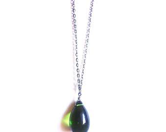 Green Glass Raindrop Pendant Necklace