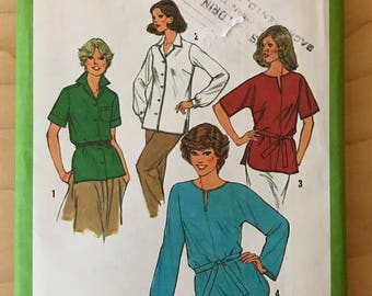 Simplicity 9049 - 1970s Button Front Blouse with Notched Collar or Pullover Tunic with Lash Front Neck and Shirttail Hem - Size 40 42 44