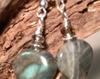 Heart shaped Labradorite Earrings, Labradorite Stone, Green-Gray Labradorite,