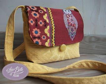 petit sac à bandoulière été minaudière motif chouette en tissu bordeaux et jaune pour femme ou ado