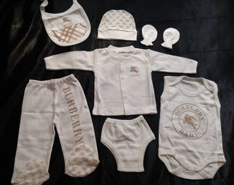 Newborn baby gift cloth set   brown/white cotton