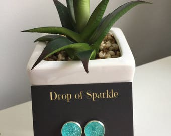 Geo resin stud earrings