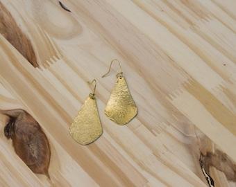 Earrings in bronze hammered lines