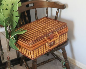 Wicker Box Case Bag: Picnic Basket, Wicker Storage, Suit Case, Trendy Storage, Wicker Hamper, Large Suit Case
