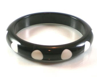 Black White Polka Dot  Lucite Plastic Acrylic Retro Bangle Bracelet Vintage Jewelry.