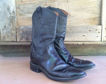 Vintage Nocona Women size 7 B (runs large fits to 8) supple black leather roper style boots, round-toed cowgirl boho rockabilly boot