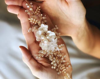 Gold Bridal Headpiece, Floral Hair Piece, Wedding Hair Vine, Flower Hair clip, Ivory Flower Hairpiece, Gold Leaf headpiece, Hair Accessory