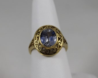 18K Yellow Gold Lavender Sapphire Filigree Ring