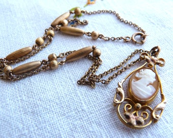 Gold-filled (1/20 12K) necklace with cameo pendant