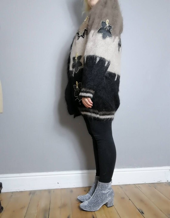 80s mohair cardigan / oversized fluffy cardigan / vintage lined cardigan / brown black applique wool Cardigan / large winter fluffy jumper U