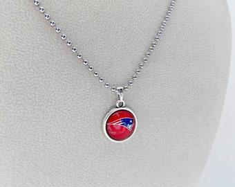 New England Patriots, Football Party, NE Patriots, NE Patriots Jewelry, Patriots Necklace, Pro Football Jewelry, Football Mom, NE Patriots
