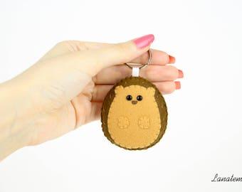 Hedgehog felt keychain, forest animals, gift for her, sister, best friend, handmade keyring, round squishy animals collection accessories