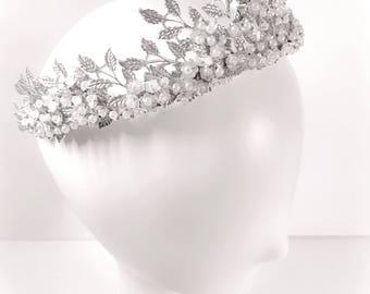 Silver bridal crown,Floral Bridal Tiara. Wedding Crown. Wedding pearl Crown. Bridal Hair Accessory, Bridal headpiece, silver bridal crown