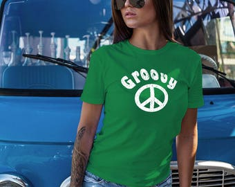 Womens Groovy Peace Sign Tshirt Retro Vintage Design Seventies Hippie Flower Child Summer Beach Shirt Trendy 70s