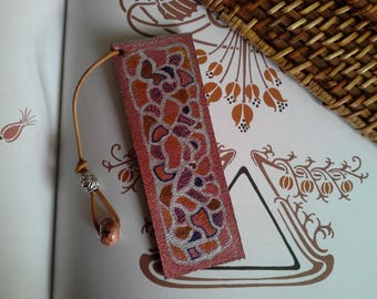 """Fancy"" leather bookmark"