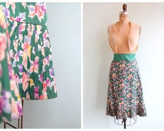 Vintage 1940's Pleated Hem Floral Skirt   Size Medium