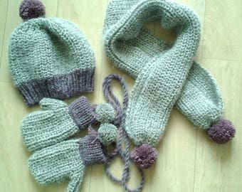 Set Hat scarf mittens knitted with alpaca and snowflake