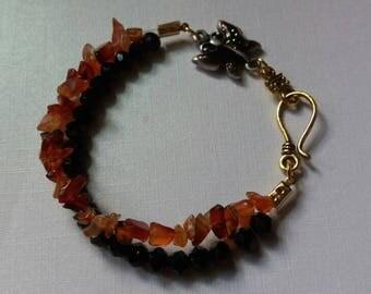 Red&Gold, beaded charm bracelet.