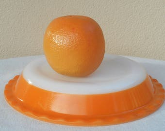 Agee Crown Pyrex Pie Dish  ~  26 cm Vinate 60's  ~ Mango Orange