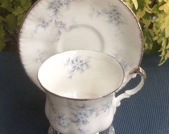 Paragon BRIDES CHOICE Bone China Tea Cup and Saucer - Made in England