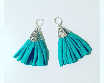 Turquoise drop earring with Pom Pom Jersey