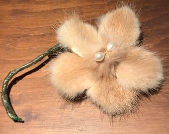 Vintage blonde mink flower brooch