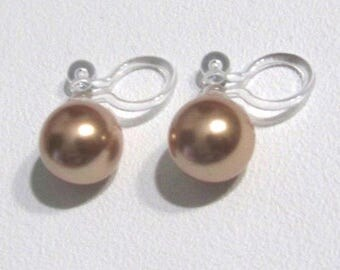 Rose Gold Swarovski Pearl Clip On Earrings, 6mm or 8mm, stud Bridal Clip On Earring, Wedding Clip Earrings, Non Pierced Earrings, Clip-ons