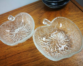 Two Ravenshead siesta apple shaped glass dessert dish bowls