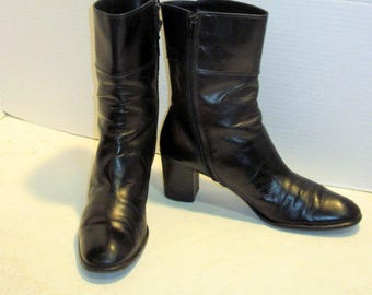 FERRAGAMO sz 7.5 AA vintage women black leather ankle boots