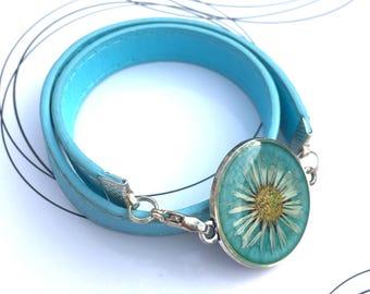 Turquoise Bracelet, Real Daisy Bracelet, Pressed Flower Jewelry, Girlish Gift, Floral Resin Bracelet, Real Flower Jewelry, Wrapped Bracelet