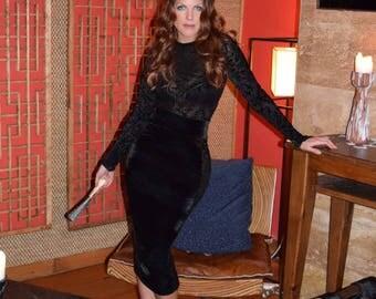 Specialty Burnout Velvet BodyCon Midi Dress