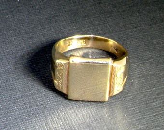 9ct yellow gold heavy rectangular gents signet ring size V Birmingham 1965