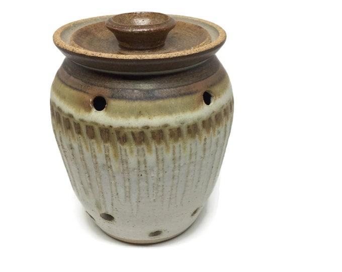 Garlic Keeper Pottery, Lidded Potpourri Jar, Ceramic Onion Storage, Rustic Kitchen, Boho Decor, Studio Pottery Jar, Wedding Gift, New Home